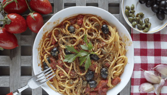 Vegan Spaghetti in Tomato Sauce with Kalamata Olives and Capers